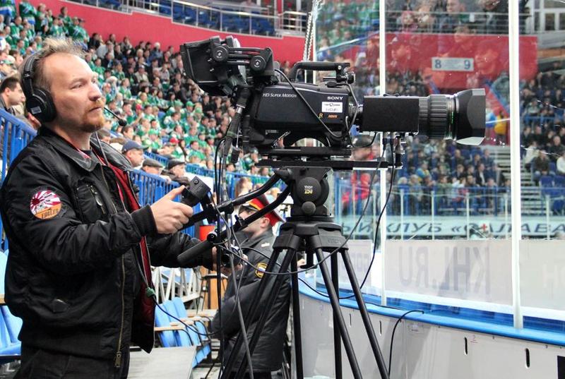 sports broadcasting TV